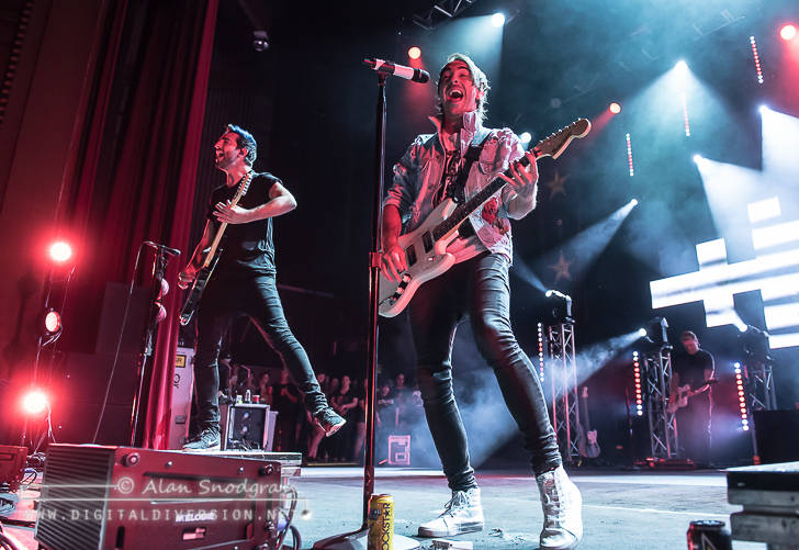 All Time Low, SWMRS, Waterparks and The Wrecks at the Fox Theater in Oakland